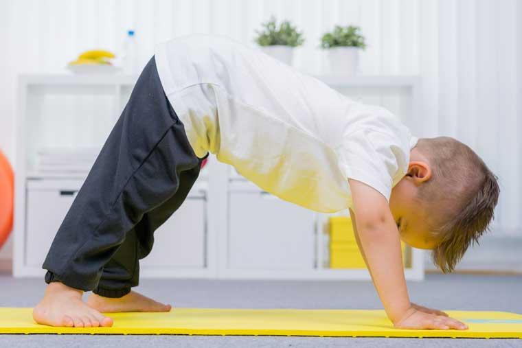 Ergotherapie München Rückenübungen für Kinder